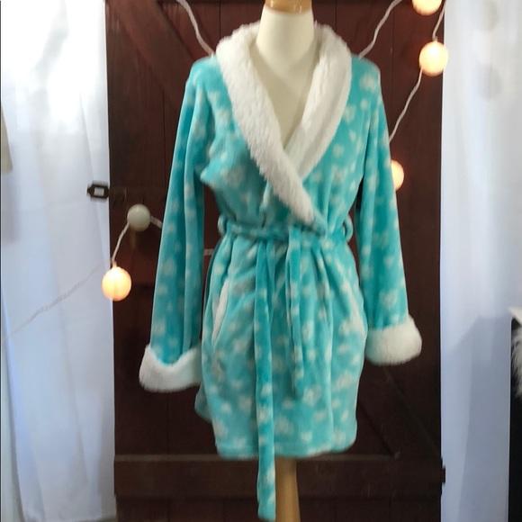 Robe wrap size M fluffy comfy C dd1f3a833